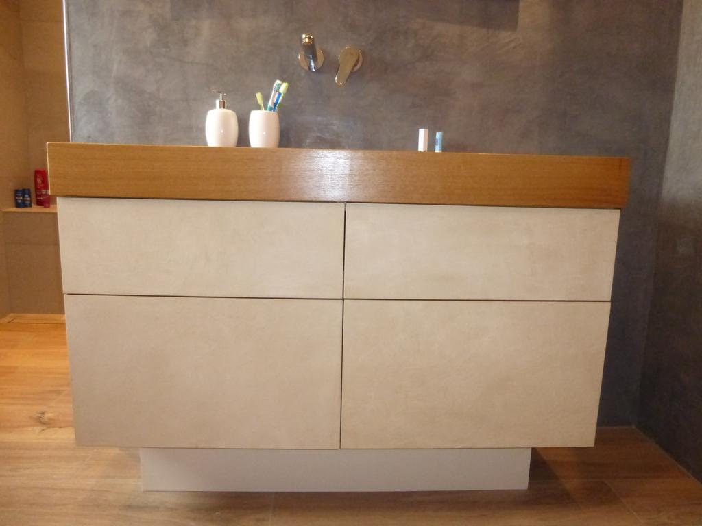 badezimmer waschtische. Black Bedroom Furniture Sets. Home Design Ideas